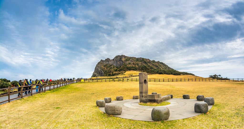 DU LỊCH HÀN QUỐC: SEOUL - JEJU - EVERLAND - NAMI - THE PAINTERS HERO SHOW