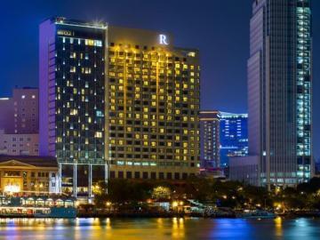 Renaissance River hotel