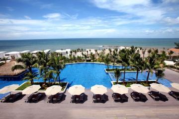 The Cliff Resort & Residence